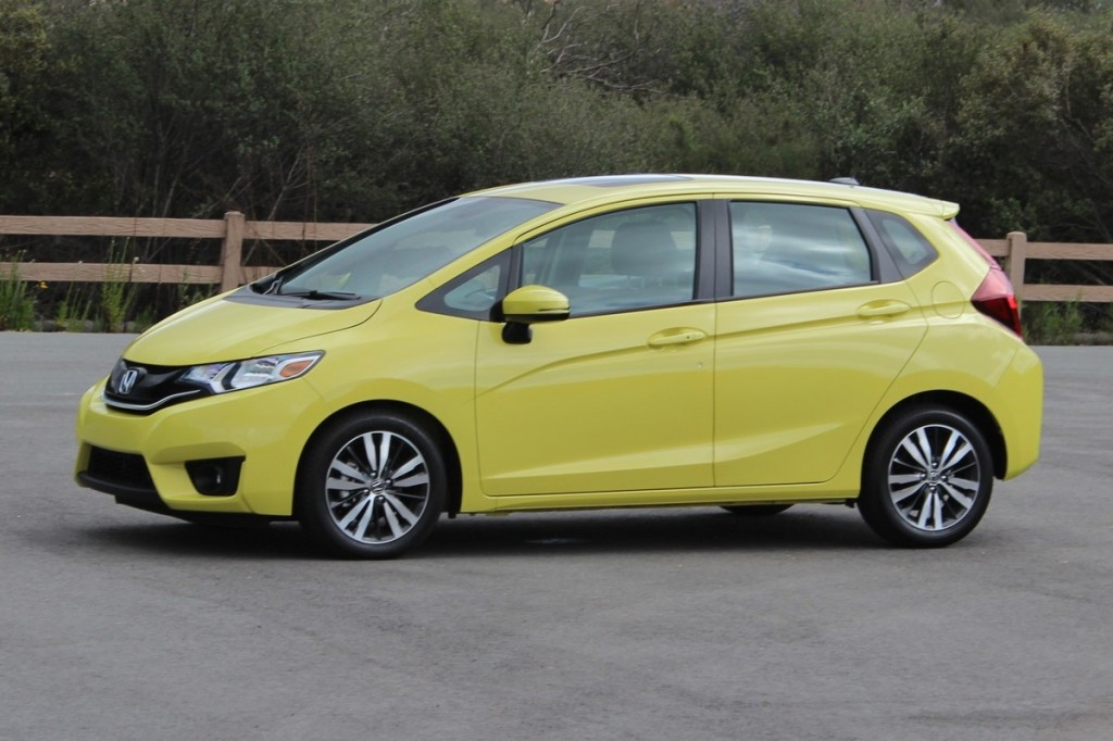 2015 honda fit first drive. Black Bedroom Furniture Sets. Home Design Ideas
