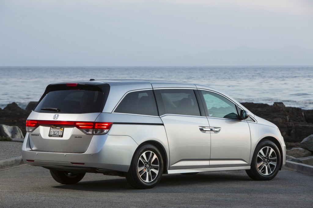 2015 honda odyssey pictures photos gallery green car reports. Black Bedroom Furniture Sets. Home Design Ideas