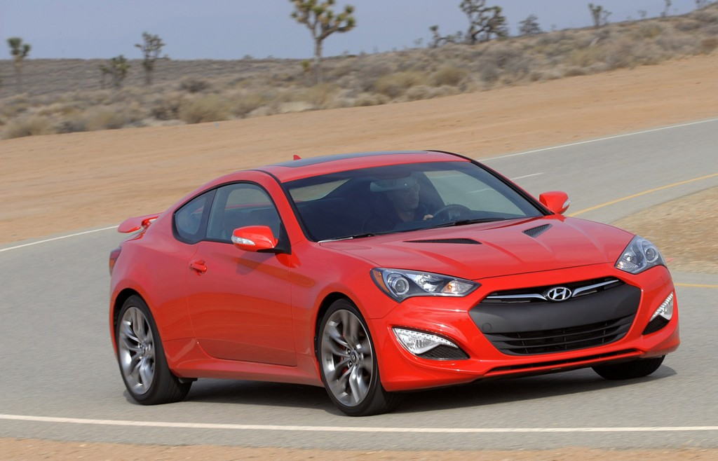 2015 hyundai genesis coupe pictures photos gallery the car connection - Hyundai genesis coupe motor ...
