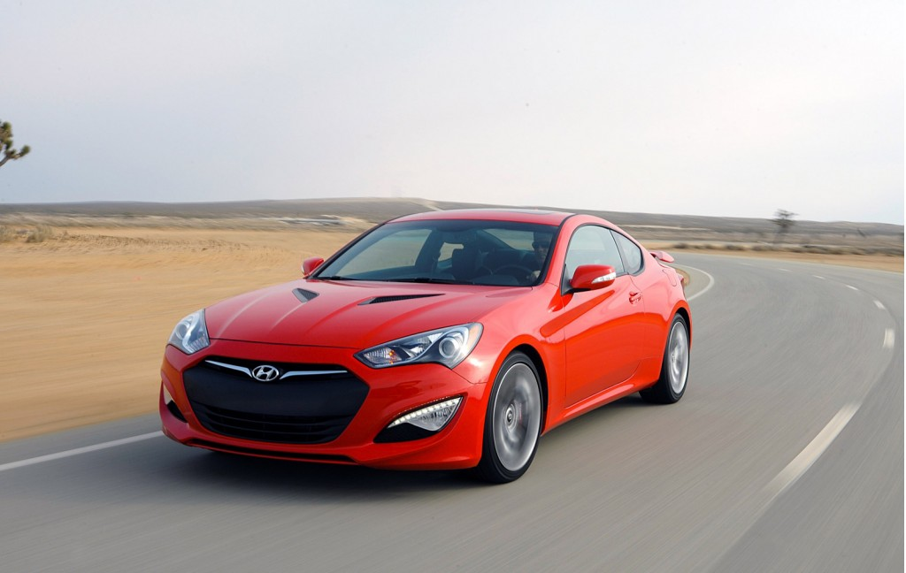 2015 hyundai genesis coupe pictures photos gallery the car connection. Black Bedroom Furniture Sets. Home Design Ideas