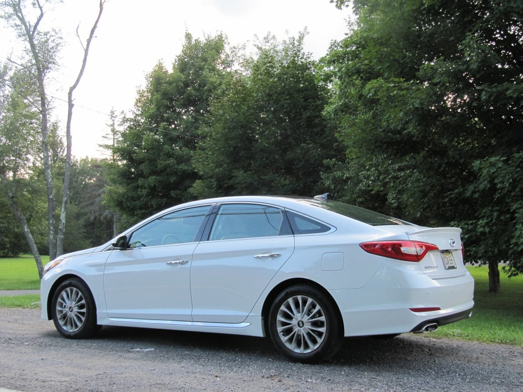 2015 hyundai sonata gas mileage review of new mid size sedan. Black Bedroom Furniture Sets. Home Design Ideas