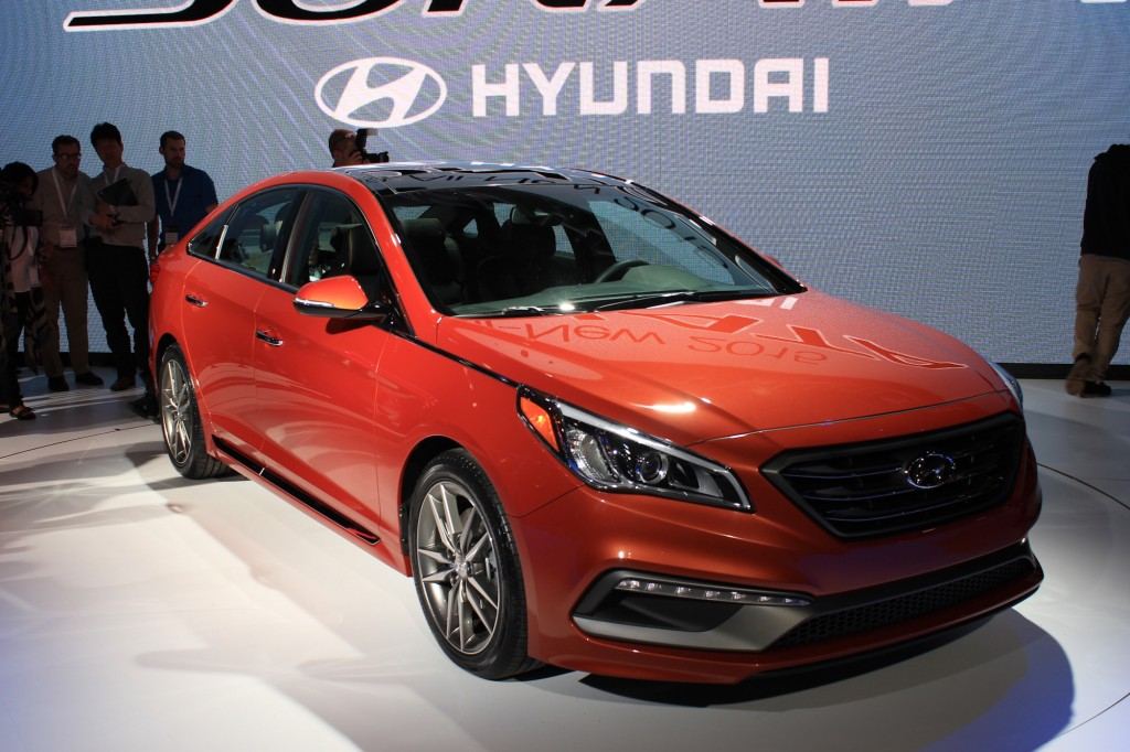 2015 hyundai sonata 2014 new york auto show live photos. Black Bedroom Furniture Sets. Home Design Ideas