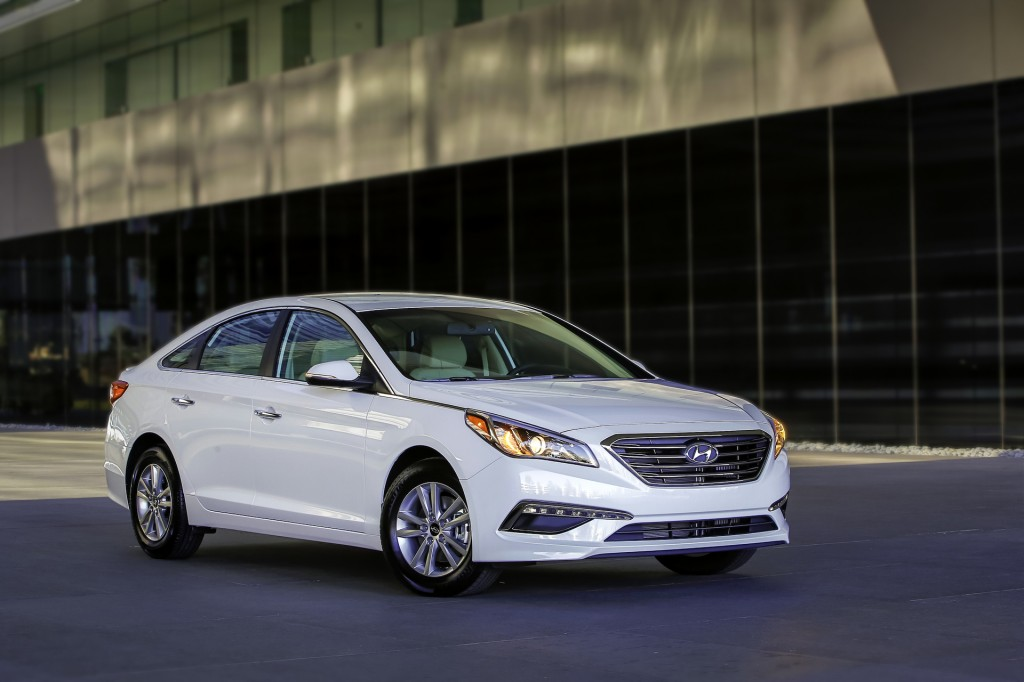 hyundai sonata hybrid carries over eco gets 32 mpg but where 39 s that plug in. Black Bedroom Furniture Sets. Home Design Ideas
