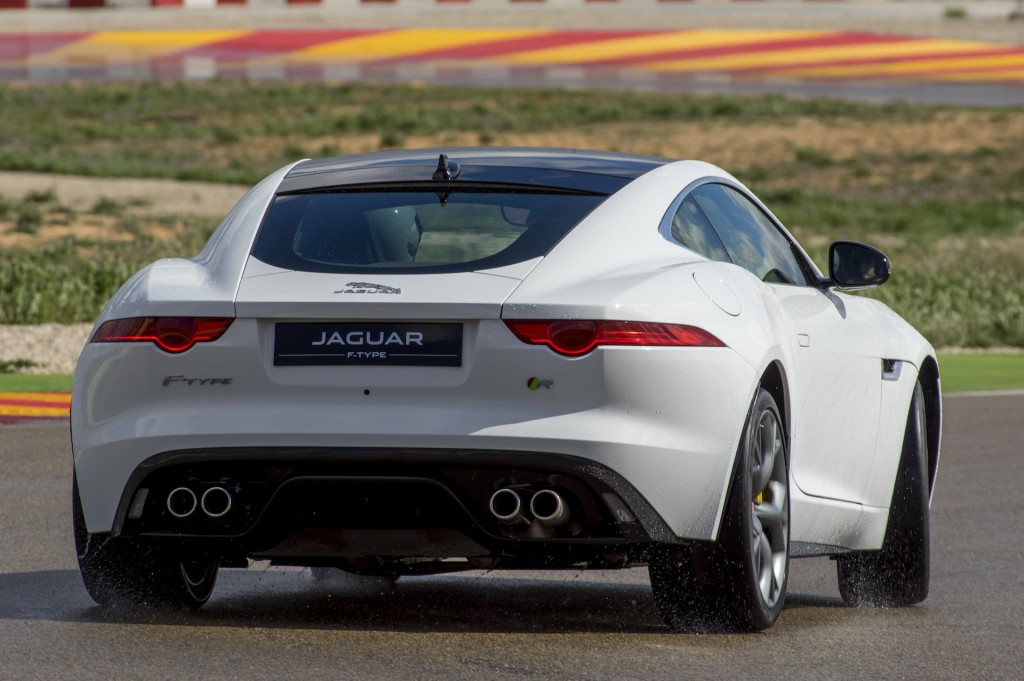 2015 jaguar f type r pretty powerful perfect. Black Bedroom Furniture Sets. Home Design Ideas