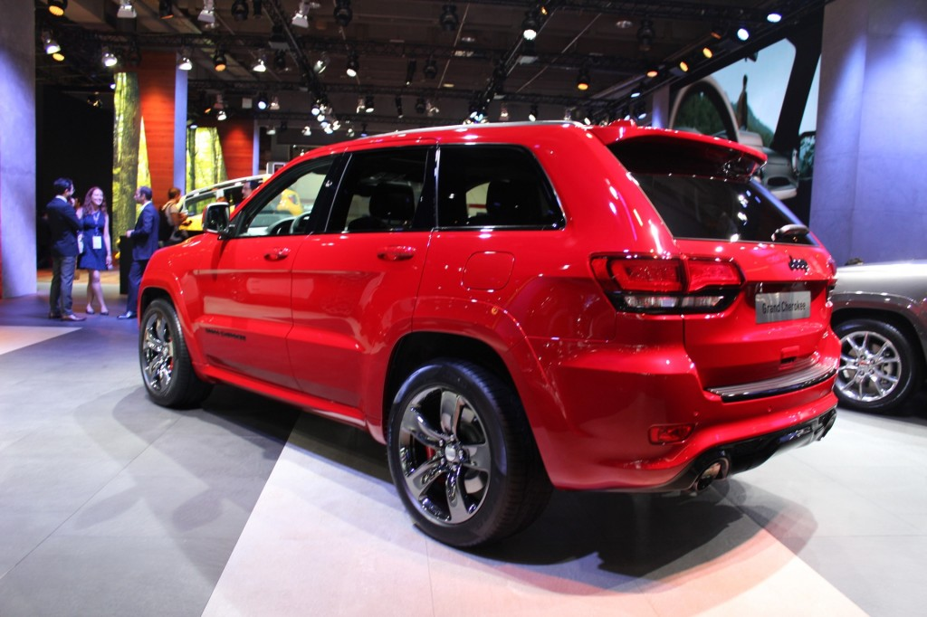 image 2015 jeep grand cherokee srt red vapor limited edition euro spec 2014 paris auto show. Black Bedroom Furniture Sets. Home Design Ideas