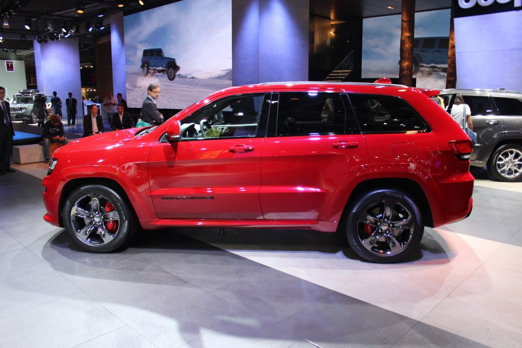 2015 jeep grand cherokee srt red vapor limited edition euro spec 2014 paris auto show. Black Bedroom Furniture Sets. Home Design Ideas