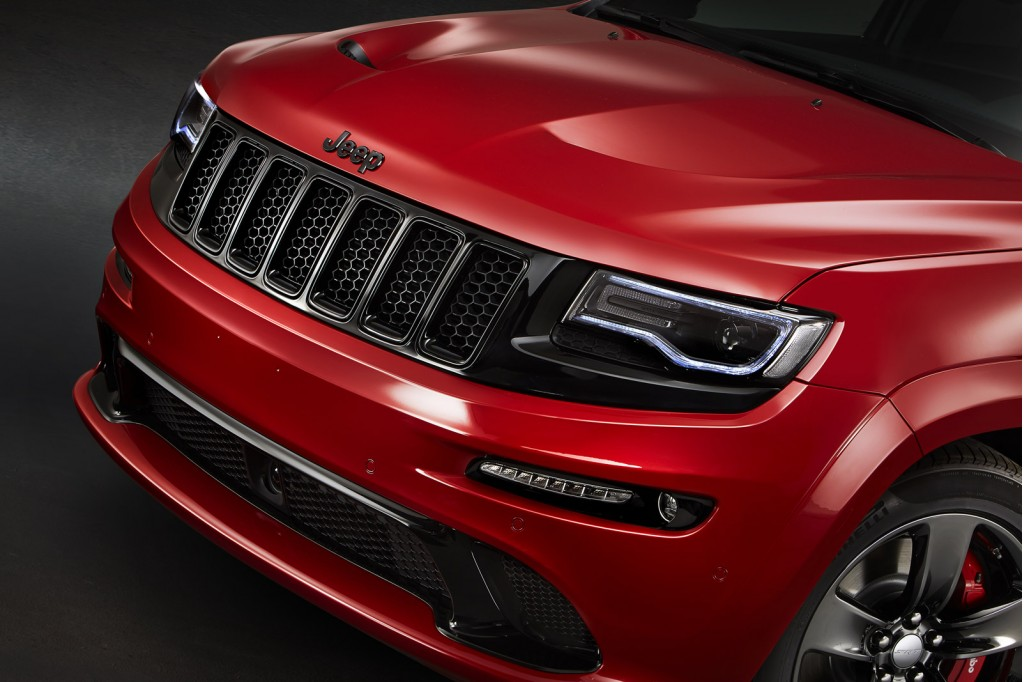 2015 Jeep Grand Cherokee SRT Red Vapor Edition Debuts In Paris