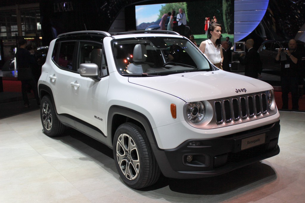 2015 jeep renegade pictures photos gallery the car connection. Black Bedroom Furniture Sets. Home Design Ideas