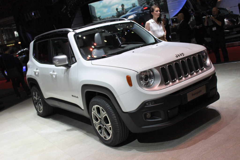 2015 renegade jeep downsizes for world domination geneva debut video and live photos. Black Bedroom Furniture Sets. Home Design Ideas