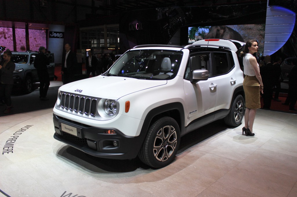 2015 jeep renegade tiniest jeep yet unveiled in geneva video and live photos. Black Bedroom Furniture Sets. Home Design Ideas