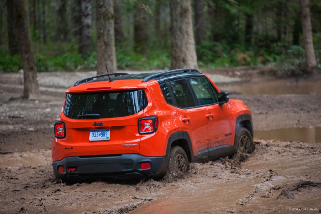 Lifted Renegade Trailhawk >> Image: 2015 Jeep Renegade Trailhawk - at Northwest ...