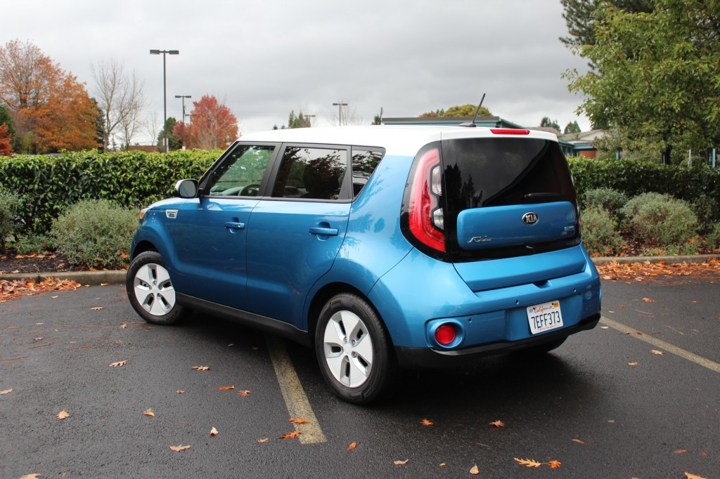 2015 kia soul ev first drive of newest electric car. Black Bedroom Furniture Sets. Home Design Ideas