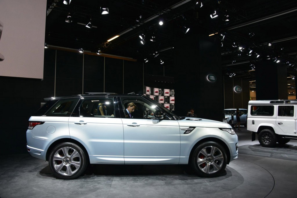 hybrid range rover and range rover sport 2013 frankfurt. Black Bedroom Furniture Sets. Home Design Ideas