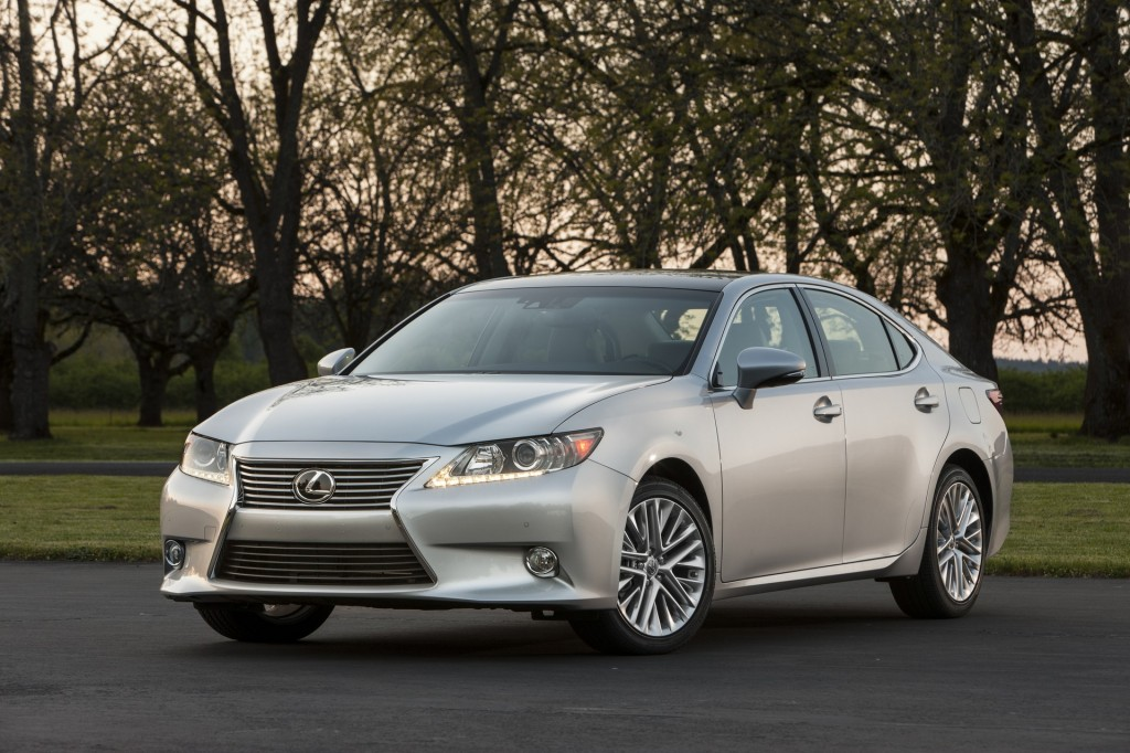 2015 lexus es 350 pictures photos gallery motorauthority. Black Bedroom Furniture Sets. Home Design Ideas