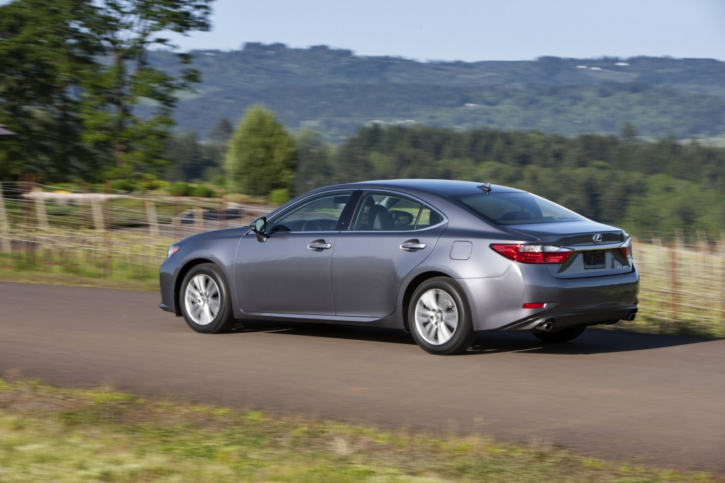 2015 lexus es 350 pictures photos gallery green car reports. Black Bedroom Furniture Sets. Home Design Ideas