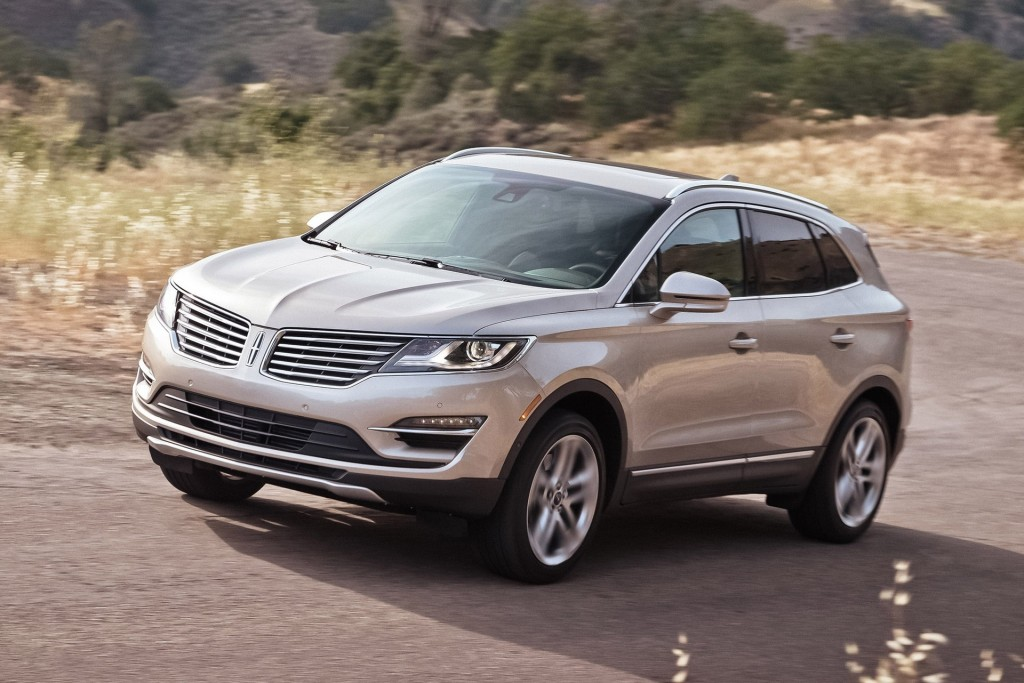 2015 lincoln mkc pictures photos gallery the car connection. Black Bedroom Furniture Sets. Home Design Ideas