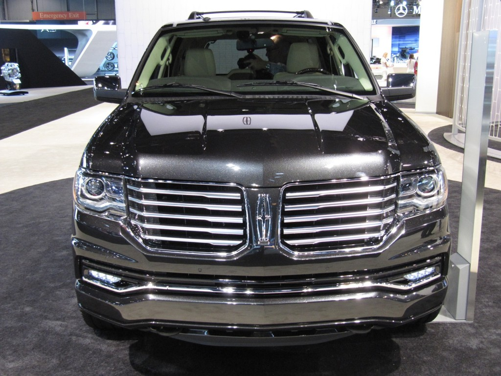 2015 lincoln navigator pictures photos gallery motorauthority. Black Bedroom Furniture Sets. Home Design Ideas