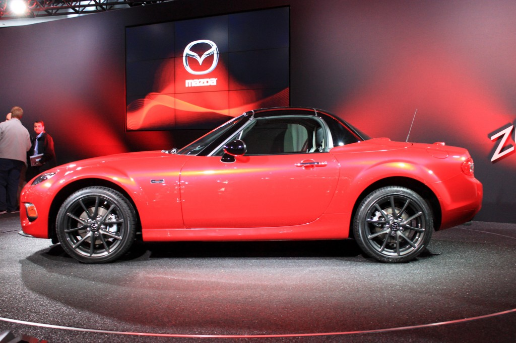 2015 mazda mx 5 priced from 24 765 25th anniversary edition from 33 000. Black Bedroom Furniture Sets. Home Design Ideas
