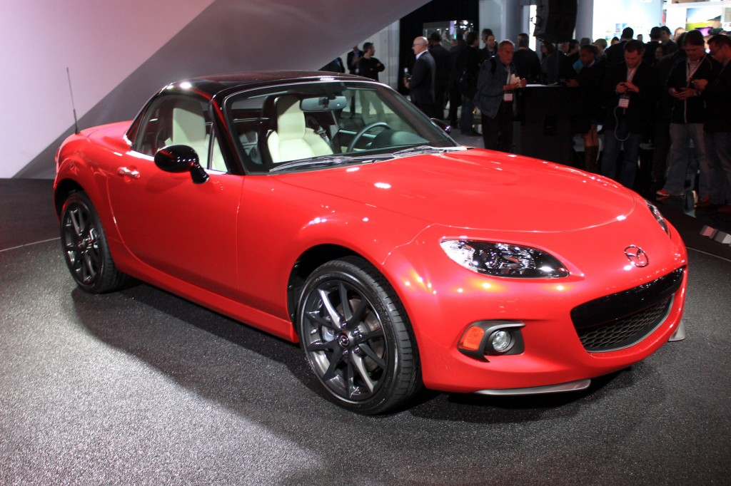 2015 mazda mx 5 miata 25th anniversary edition debuts in new york live photos. Black Bedroom Furniture Sets. Home Design Ideas