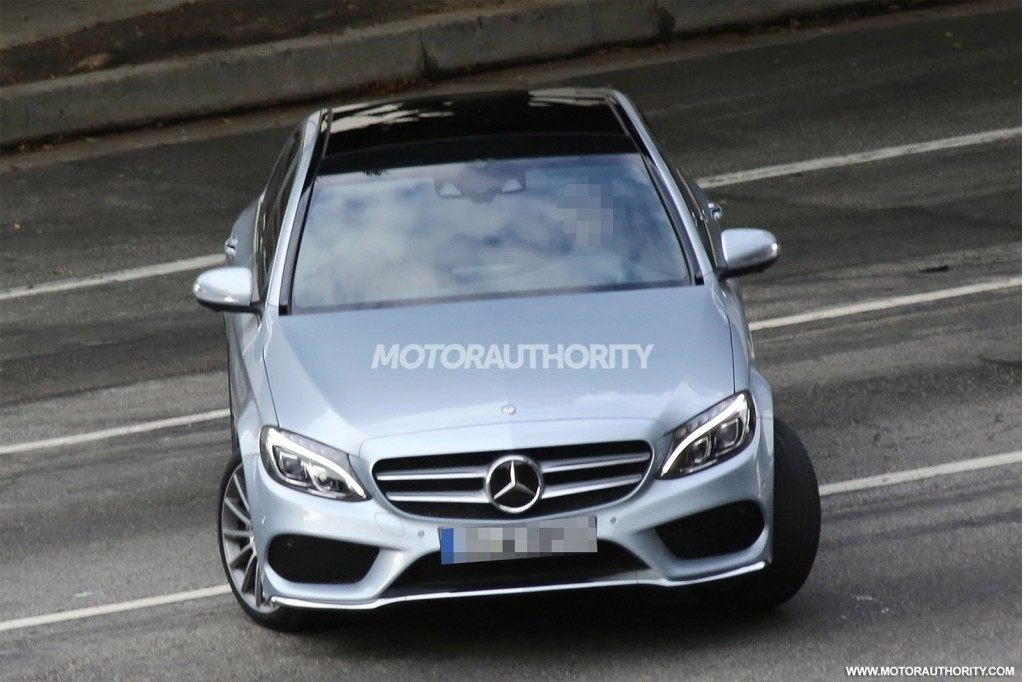 2015 mercedes benz c class completely revealed in new spy shots. Black Bedroom Furniture Sets. Home Design Ideas