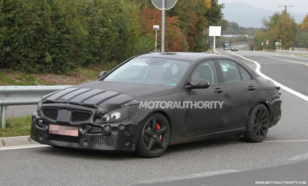 Mercedes mulls all wheel drive c63 amg e63 amg black series for Mercedes benz e series amg