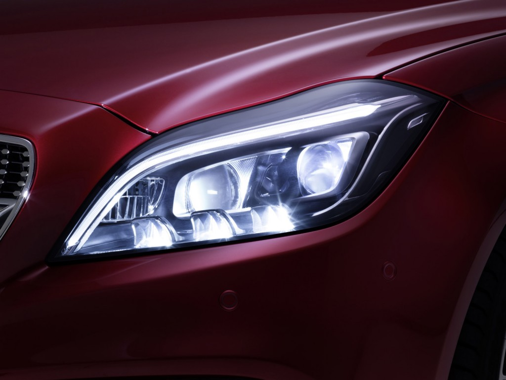 mercedes to debut multibeam led headlight technology on 2015 cls class. Black Bedroom Furniture Sets. Home Design Ideas