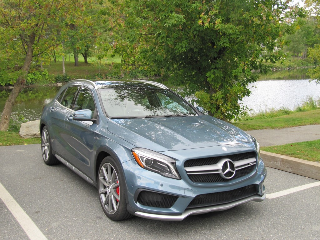 2015 mercedes benz gla45 amg first drive of compact hot hatch for Small mercedes benz