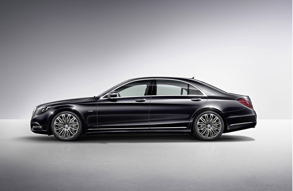 2015 mercedes benz s600 brings v 12 power to detroit for Mercedes benz s600 2015