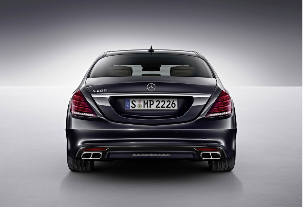 2015 mercedes benz s600 brings v 12 power to detroit for S 600 mercedes benz