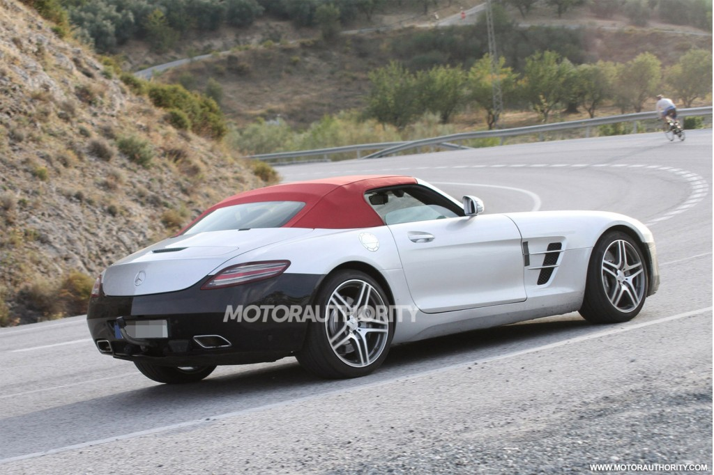 2015 mercedes benz sls amg gt roadster spy shots. Black Bedroom Furniture Sets. Home Design Ideas