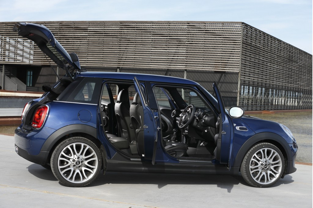 2015 mini cooper adds new five door model. Black Bedroom Furniture Sets. Home Design Ideas