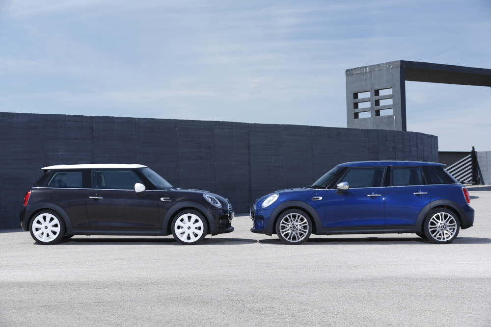 mini hardtop 4 door appears at los angeles auto show. Black Bedroom Furniture Sets. Home Design Ideas