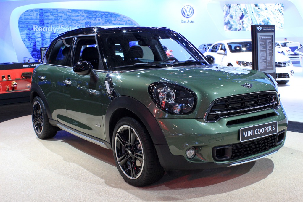 2015 mini countryman gets revised styling new tech 2014 new york auto show. Black Bedroom Furniture Sets. Home Design Ideas