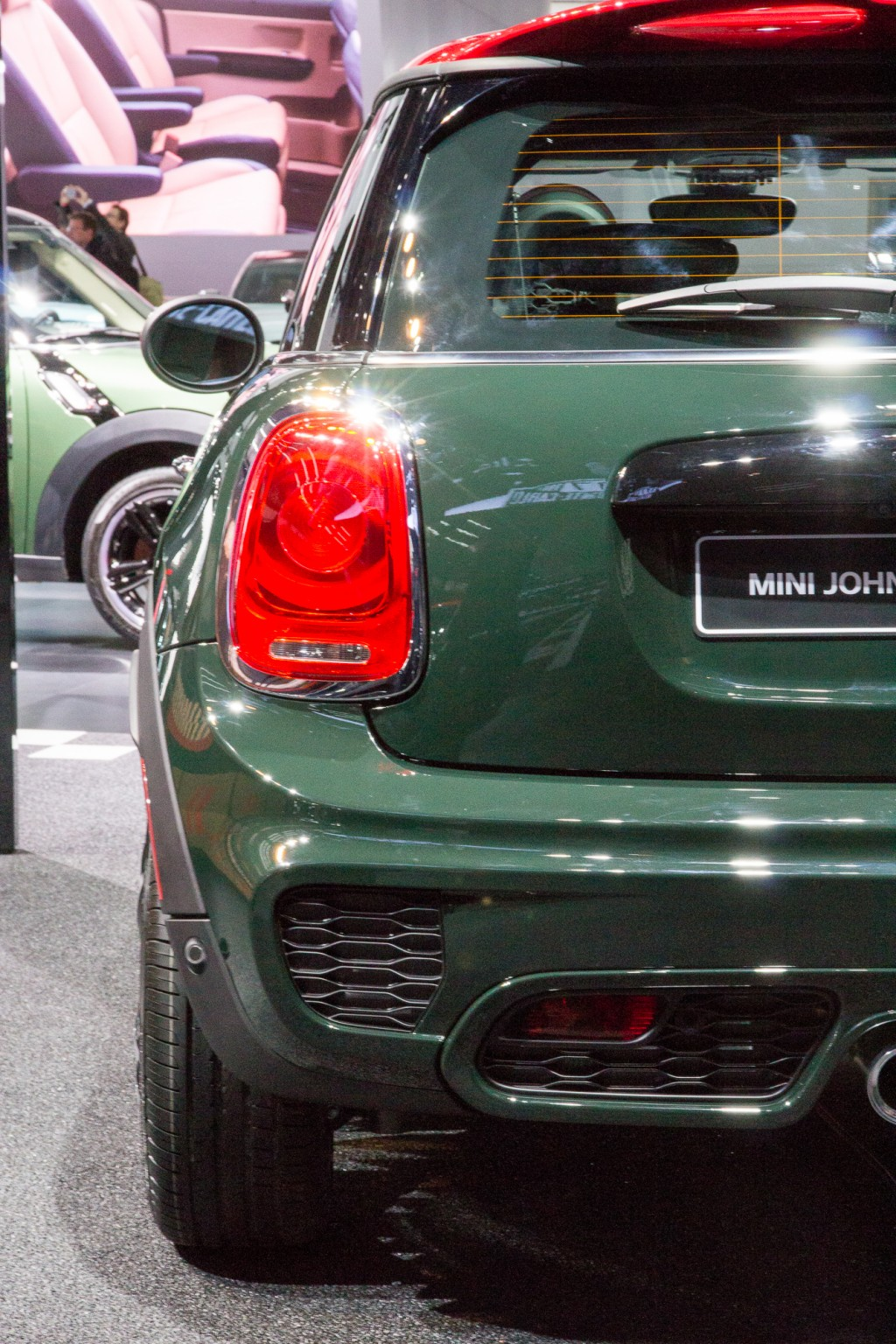 2015 mini john cooper works hardtop priced from 31 450 video. Black Bedroom Furniture Sets. Home Design Ideas