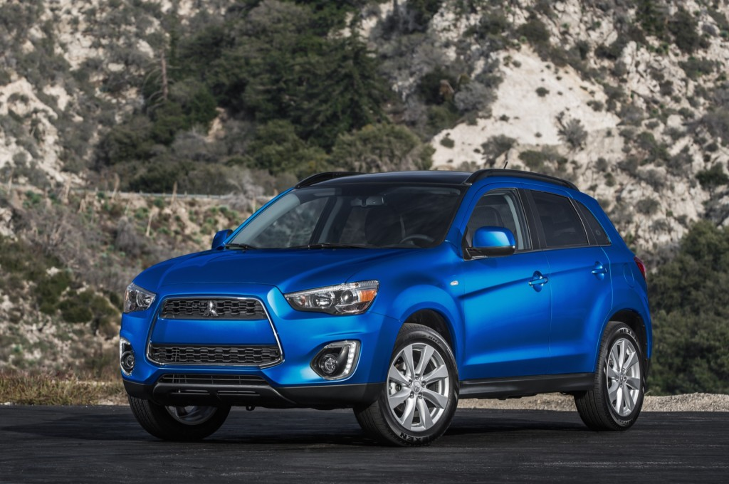 2015 mitsubishi outlander sport pictures photos gallery the car connection. Black Bedroom Furniture Sets. Home Design Ideas