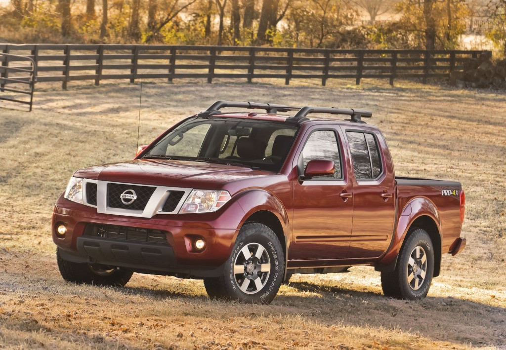 2015 nissan frontier pictures photos gallery motorauthority. Black Bedroom Furniture Sets. Home Design Ideas