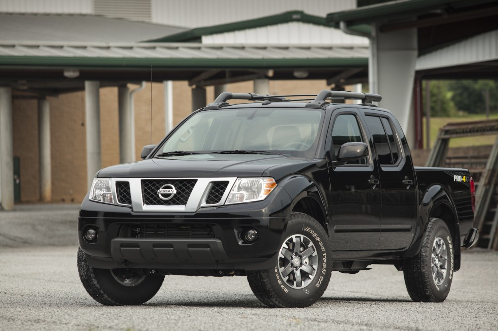2015 nissan frontier pictures photos gallery the car connection. Black Bedroom Furniture Sets. Home Design Ideas