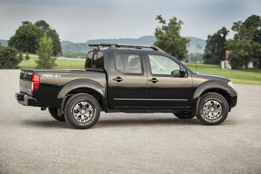2015 Nissan Frontier Pictures/Photos Gallery The Car Connection