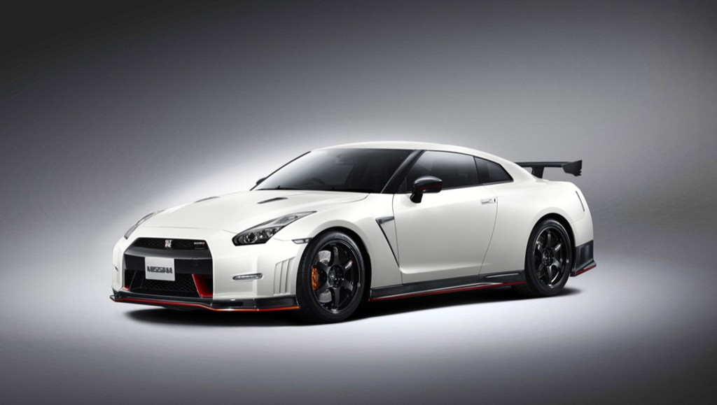 2015 nissan gt r nismo revealed sets 7 39 ring time video. Black Bedroom Furniture Sets. Home Design Ideas