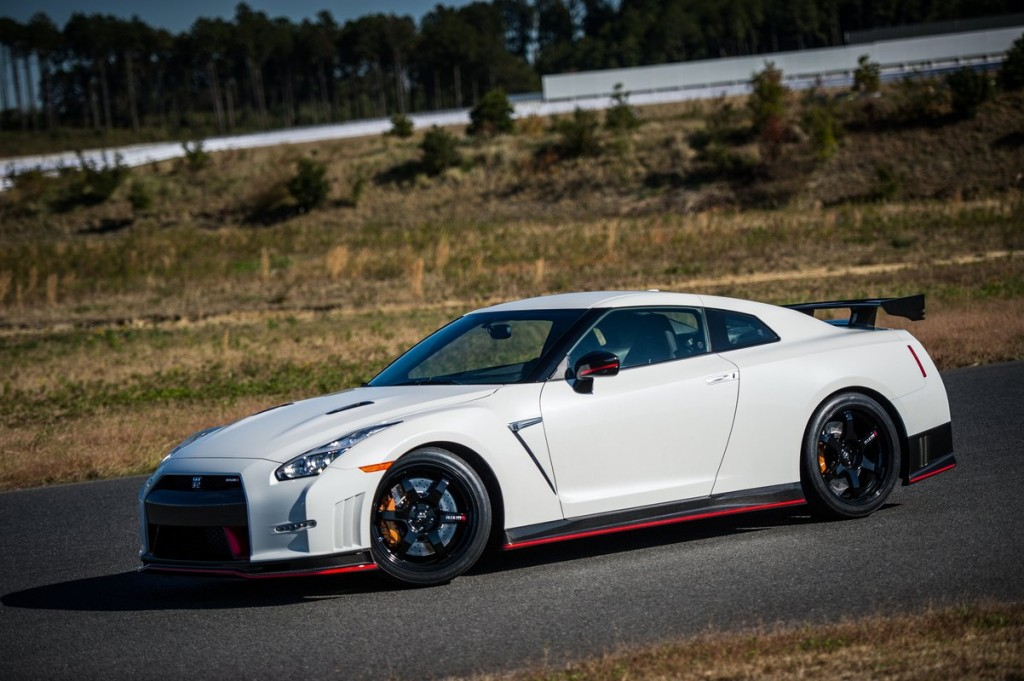 2015 nissan gt r nismo priced from 151 585. Black Bedroom Furniture Sets. Home Design Ideas