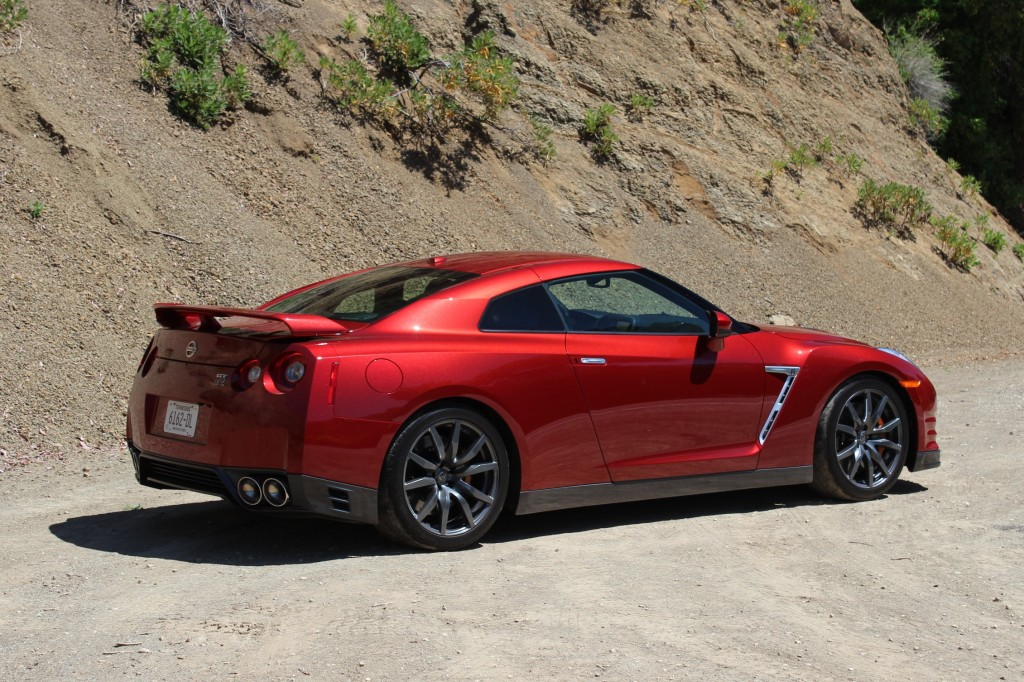 2015 nissan gt r quick drive june 2014