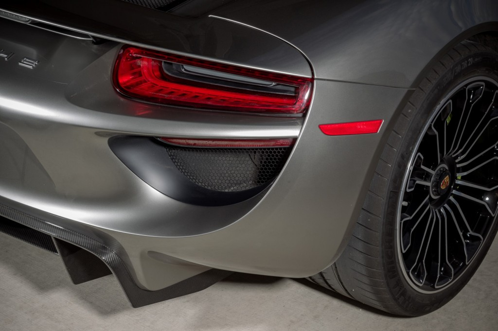 2015 porsche 918 spyder car analytics. Black Bedroom Furniture Sets. Home Design Ideas