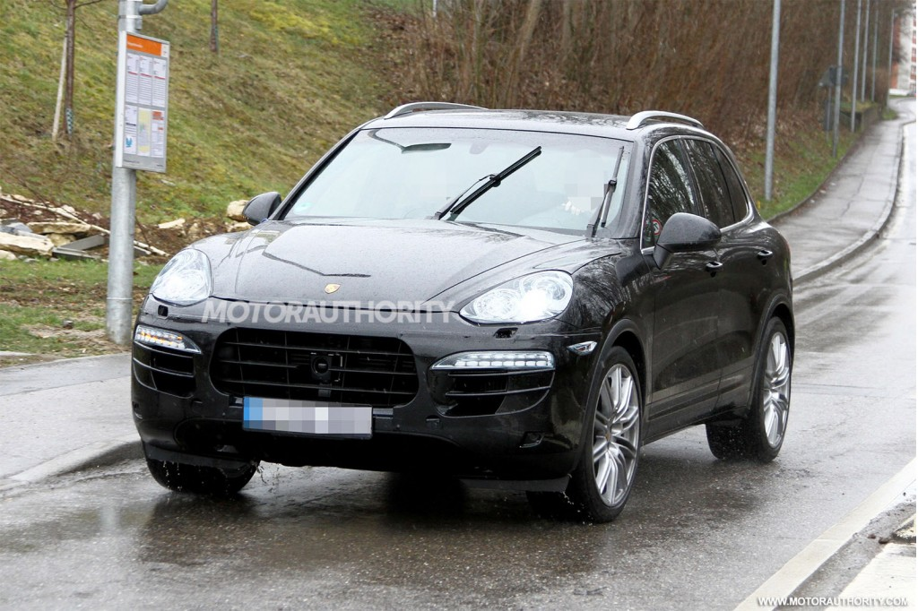 2015 porsche cayenne spy shots. Black Bedroom Furniture Sets. Home Design Ideas