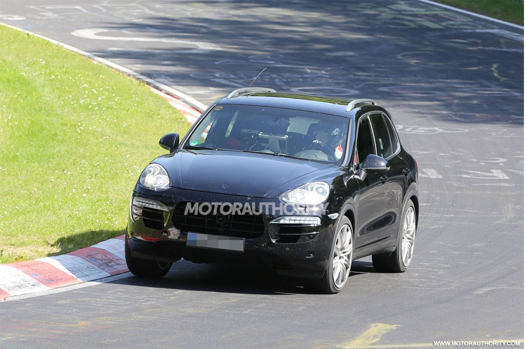 2015 porsche cayenne facelift spy shots. Black Bedroom Furniture Sets. Home Design Ideas