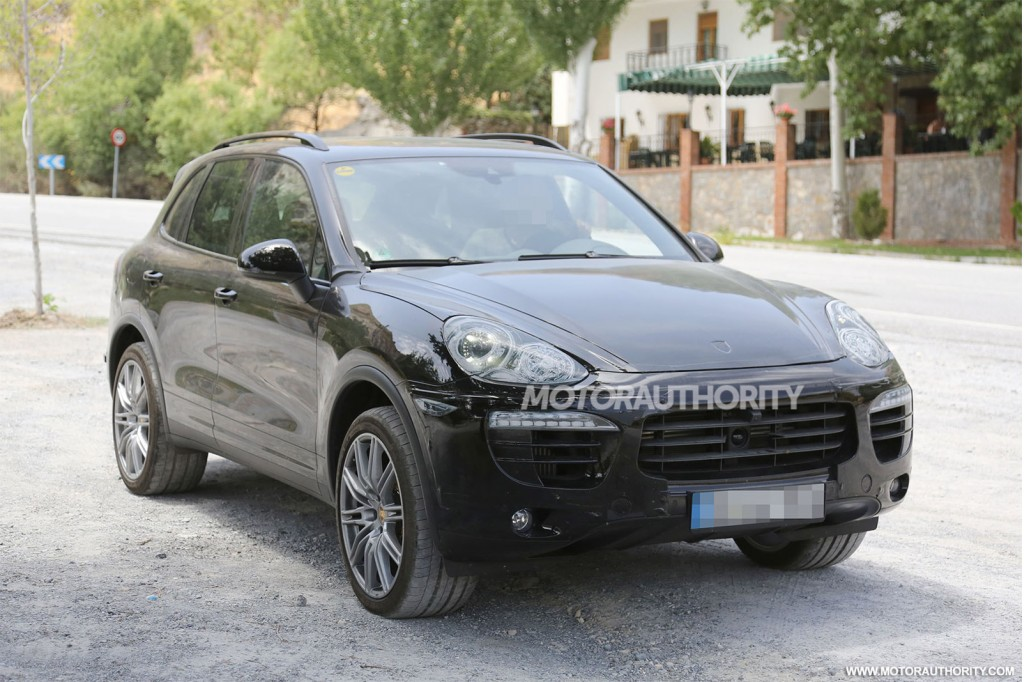 Awesome 2015 Porsche Cayenne Facelift Spy Shots