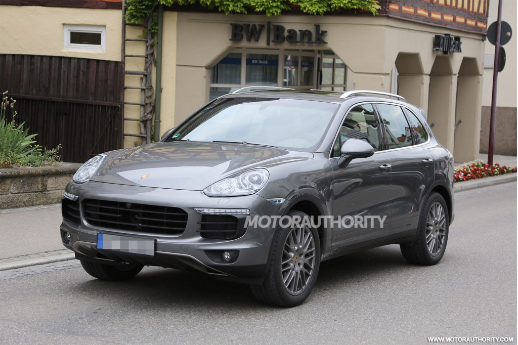 Simple 2015 Porsche Cayenne Spy Shots