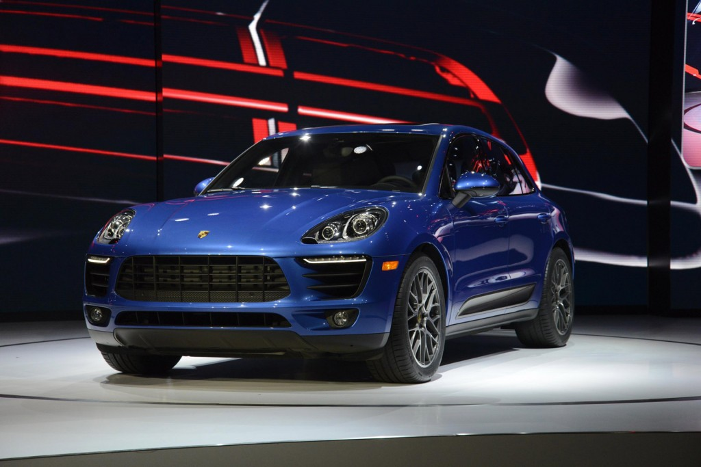 2015 porsche macan 2013 l a auto show video. Black Bedroom Furniture Sets. Home Design Ideas