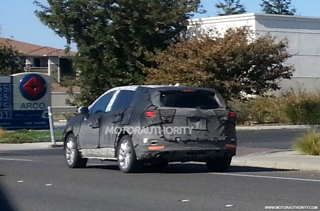 2014 - [Buick] Envision 2015-small-buick-crossover-spy-shots--image-via-justin-wages_100443776_l