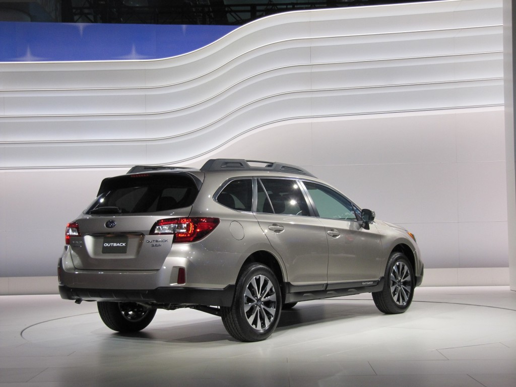 2015 subaru outback video new york auto show. Black Bedroom Furniture Sets. Home Design Ideas