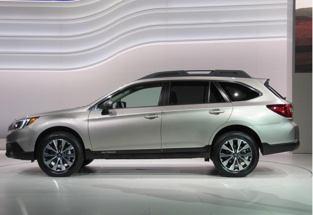 http://images.thecarconnection.com/lrg/2015-subaru-outback-introduction-at-2014-new-york-auto-show_100464659_l.jpg